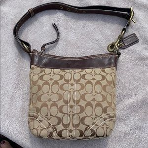Coach tan and brown signature adjustable strap LN